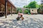 Нощувка за до 9 човека + трапезария, голямо външно барбекю, детски кът с басейн и още в новооткрита къща Casa Inglesa - с. Изгрев, само на 20 км от Варна, снимка 3