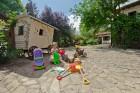 Нощувка за до 9 човека + трапезария, голямо външно барбекю, детски кът с басейн и още в новооткрита къща Casa Inglesa - с. Изгрев, само на 20 км от Варна, снимка 23