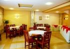 Нощувка на човек със закуска или закуска и вечеря + басейн в хотел Сирена, Кранево, снимка 8