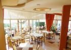Нощувка на човек със закуска или закуска и вечеря + басейн в хотел Сирена, Кранево, снимка 11