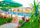Нощувка на човек със закуска или закуска и вечеря + басейн в хотел Сирена, Кранево, снимка 5