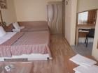 Нощувка на човек в хотел Палитра, Варна, снимка 4