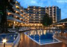 Нощувка на човек със закуска и вечеря + басейн и трансфер до плажа от хотел Мирабел****, Златни пясъци, снимка 2