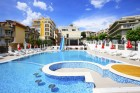 Нощувка на база All inclusive на човек + басейн на 50 м. от плажа от хотел Корона, Свети Влас. Дете до 12г. - безплатно, снимка 3