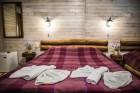 Нощувка на човек със закуска и вечеря + басейн и релакс зона с минерална вода от Еко стаи Манастира, Хисаря, снимка 6
