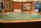 Нощувка на човек със закуска + басейн с минерала вода в хотел Калифорния, Павел Баня, снимка 3