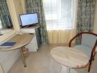 Нощувка на човек в хотел Виктория, Варна, снимка 3