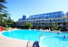 Нощувка на човек на база All Inclusive + басейн в хотел Корал****, Св. Св. Константин и Елена. Дете до 12 г. БЕЗПЛАТНО, снимка 2