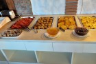 Нощувка на човек със закуска или закуска и вечеря + басейн в семеен хотел М2, Приморско, снимка 11