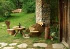 Нощувка със закуска за двама или четирима в къщичка направена от камък, глина и дърво от Еко селище, Омая, снимка 21