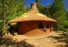 Нощувка със закуска за двама или четирима в къщичка направена от камък, глина и дърво от Еко селище, Омая, снимка 2