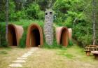 Нощувка със закуска за двама или четирима в къщичка направена от камък, глина и дърво от Еко селище, Омая, снимка 3