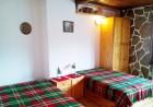 2+ нощувки в самостоятелна къща с капацитет 12 човека + барбекю, къща за гости Дени, Добринище, снимка 6