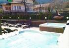Нощувка на човек със закуска и вечеря + басейн с МИНЕРАЛНА вода и джакузи от Семеен хотел Емали Грийн, Сапарева баня, снимка 7