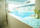 Нощувка на човек със закуска и вечеря + басейн с МИНЕРАЛНА вода и джакузи от Семеен хотел Емали Грийн, Сапарева баня, снимка 5