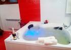 Нощувка на човек със закуска, обяд и вечеря + басейн с МИНЕРАЛНА вода и джакузи от Семеен хотел Емали Грийн, Сапарева Баня, снимка 5