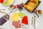 Нощувка на човек със закуска, обяд* и вечеря + сауна и джакузи в хотел Тетевен, снимка 2