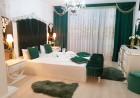 Нощувка на човек + минерален басейн и джакузи в хотел Мегас, Банкя, снимка 6