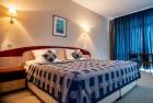 Нощувка на човек на база All inclusive на ПЪРВА ЛИНИЯ в хотел Лилия****, Златни пясъци + басейн, снимка 4