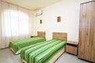 Късно лято на първа линия в Созопол. Нощувка в апартамент за до 3, 5 или 7 човека в Хотел Гардън Бийч, Къмпинг Градина, снимка 19