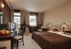 Нощувка на човек със закуска и вечеря + басейн и джакузи в хотел Родопски Дом, Чепеларе, снимка 9