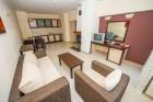 Нощувка на човек със закуска и вечеря + басейн и джакузи в хотел Родопски Дом, Чепеларе, снимка 10