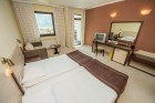 Нощувка на човек със закуска и вечеря + басейн и джакузи в хотел Родопски Дом, Чепеларе, снимка 7