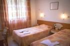 Нощувка на човек със закуска и вечеря + 3 минерални басейна и релакс зона от хотел Делта, Огняново, снимка 12
