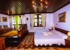 Почивка в Боженци! Нощувка за двама в двойна стая лукс с хидромасажна вана от Шарлопова къща, снимка 4