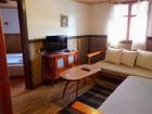 Нощувка за 16 или 20 човека в къщи Кандафери 1 и 2 в типичен еленски архитектурен стил - с. Мийковци, край Елена, снимка 33