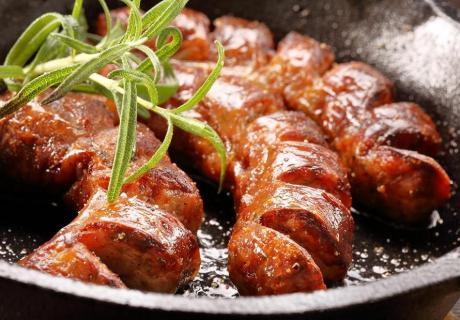 Два броя бирени наденички с пържени картофи от ресторант El KuKu, Гео Милев, София