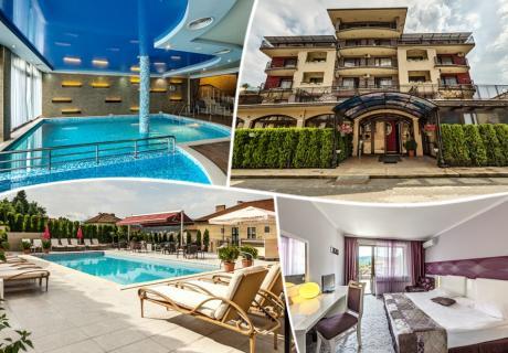 Нощувка на човек със закуска и вечеря +  2 минерални басейна и релакс пакет в хотел Енира****, Велинград