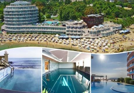 Делник в хотел Сириус Бийч**** Константин и Елена ! 2 минерални басейна + СПА  на брега на морето + нощувкa на човек със закуска и вечеря. БЕЗПЛАТНО - дете до 12г.