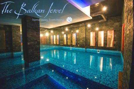 1, 3 или 5 нощувки на човек със закуски и вечери + топъл басейн и СПА зона в Балканско Бижу апартхотел**** до Банско