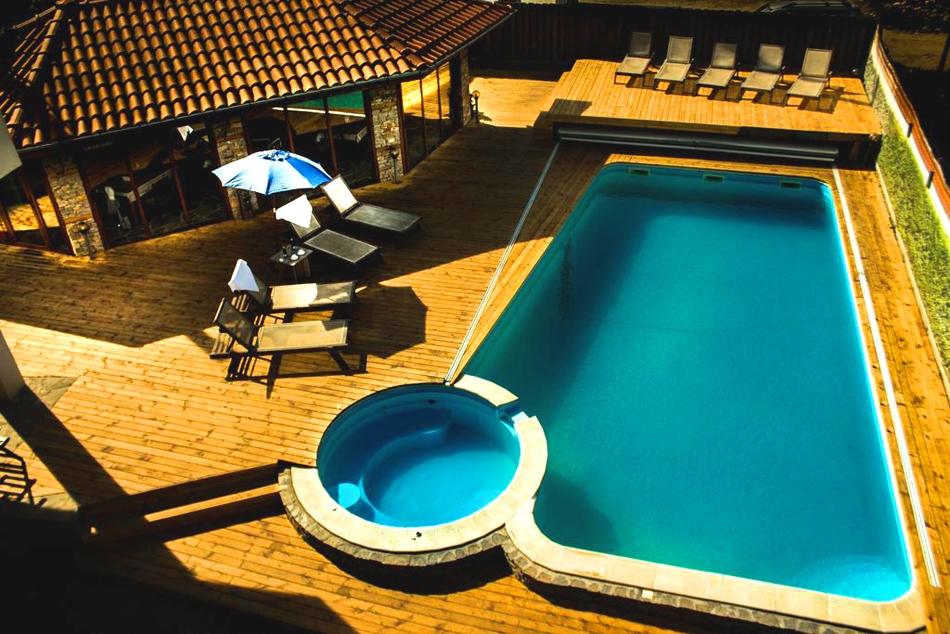 Почивка в Огняново! Нощувка на човек + басейн и джакузи с минерална вода от Къща за гости Биг Хаус