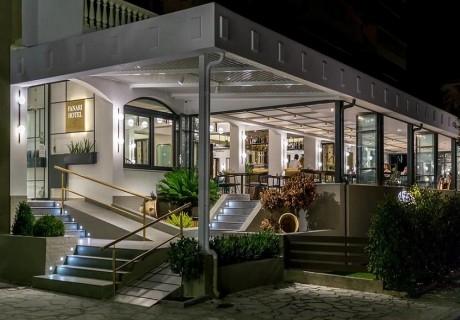 Май в хотел Fanari, Гърция! Нощувка за двама, трима или четирима със закуска на 250 метра от плажа