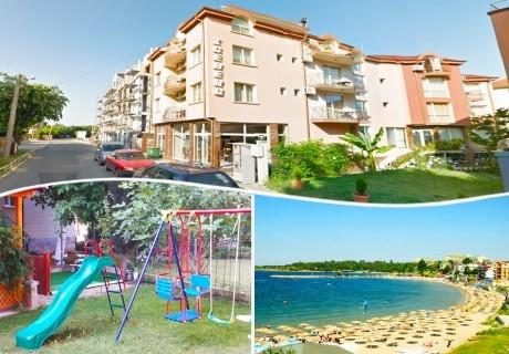 Лято в Равда на 200 м. от плажа на цени от 12.90 лв. в хотел Айсберг