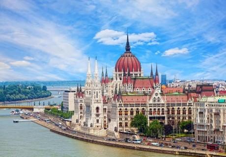 Екскурзия до Будапеща и Нови Сад! Транспорт, 2 нощувки на човек със закуски от Караджъ Турс