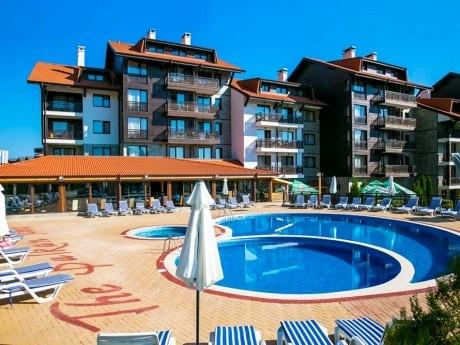 Лято до Банско! 1, 2 или 3 нощувки на човек със закуски и вечери + басейн и СПА зона в Балканско Бижу апартхотел****