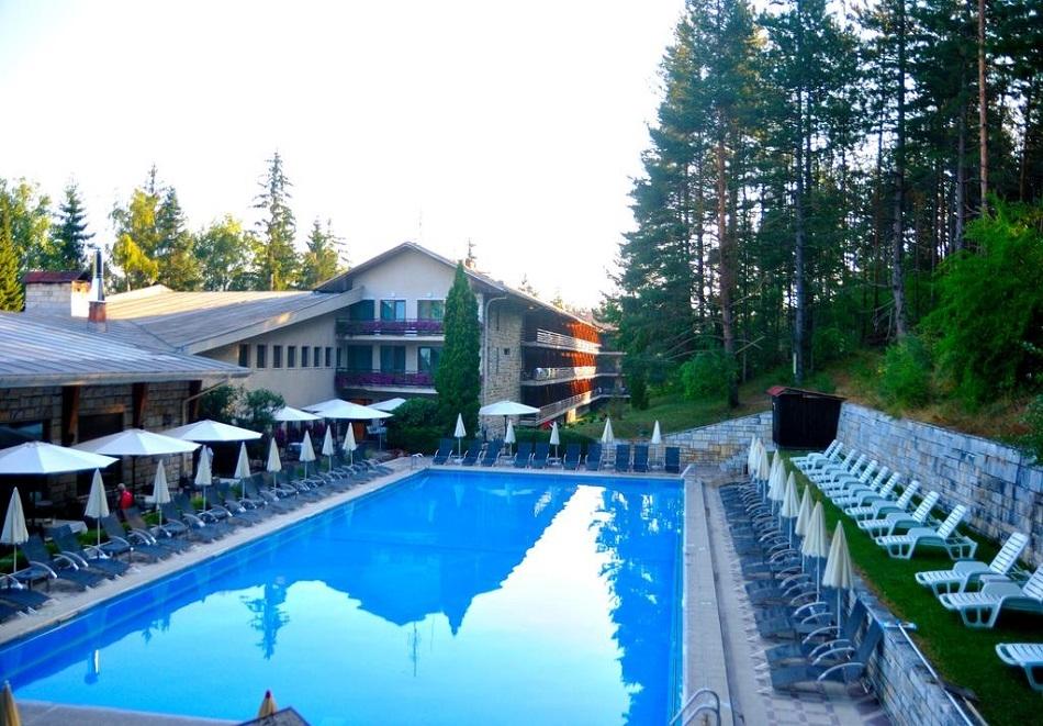 5+ нощувки със закуски за ДВАМА + минерален басейн и СПА пакет в хотел Велина****, Велинград