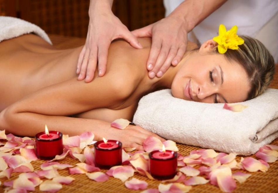 30 мин. дълбокотъканен лечебен масаж на гръб, врат и рамене само за 8.50 лв. в масажно студио Кинези Плюс