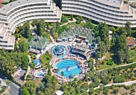 Късно лято на първа линия край Кушадасъ! 7 нощувки на човек на база Аll Inclusive + басейни в хотел Гранд Блу Скай. ДЕТЕ ДО 12г. - БЕЗПЛАТНО