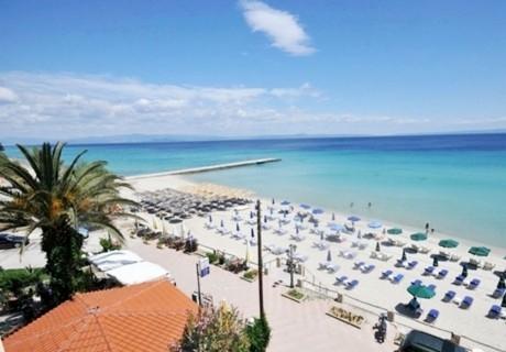Лято на 1-ва линия в Калитея, Гърция! 7 нощувки за двама или трима + частен плаж във Vila Poseidon