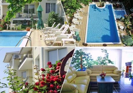 Лято до кк. Албена! Нощувка на човек със закуска + басейн в хотелски комплекс Рай***, с. Оброчище