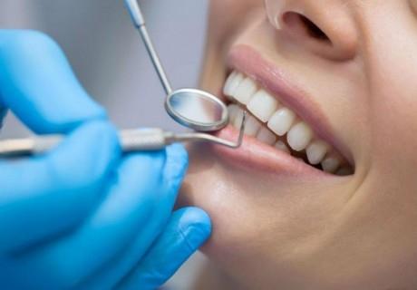 Дентален преглед с интраорална камера + почистване на зъбен камък с ултразвук, полиране с Airflow, рентгенови снимки