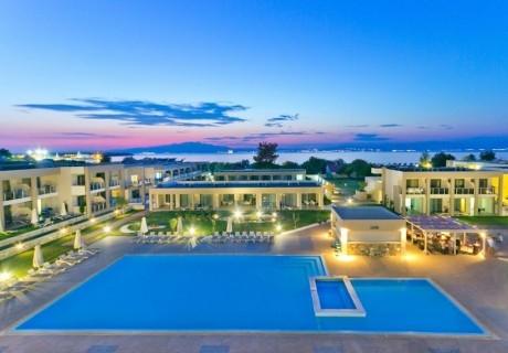 От 21.05-10.06  на о. Тасос, на 50м. от плажа! Нощувка на човек със закуска и вечеря + 3 басейна, шезлонг и чадър на басейна и на плажа от Alea Hotel & Suits