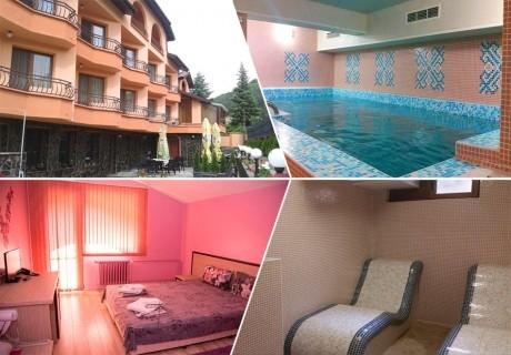 Нощувка на човек със закуска, обяд и вечеря + басейн с минерална вода и релакс зона в Семеен хотел Емали Грийн, Сапарева Баня