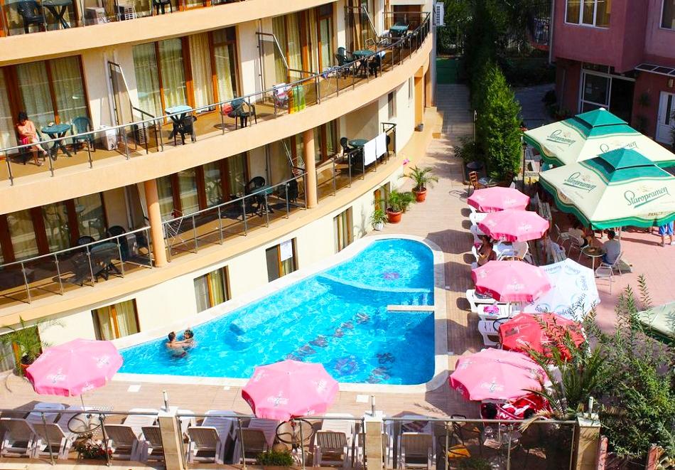 Лято 2020г. в Китен. Нощувка с изхранване по избор + басейн на цени от 19.40 лв. в хотел Съни Парадайз***