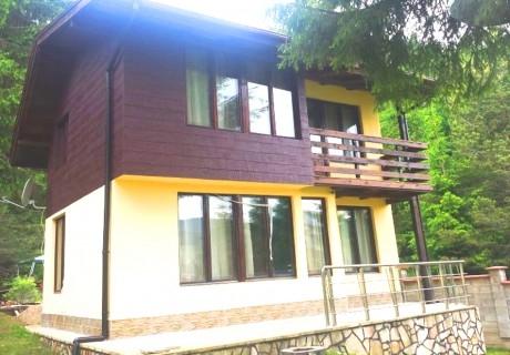 Нощувка до 9 човека в напълно оборудвана къща от Вила Мерджан, Сърница