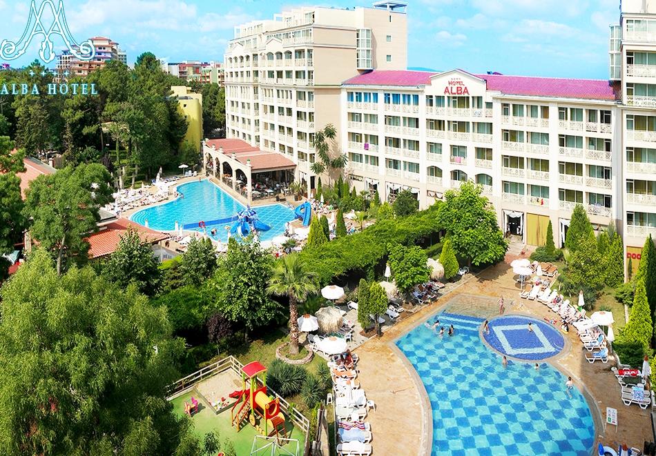 Нощувка на човек на база All inclusive + 2 басейна и анимация в хотел Алба****, Слънчев Бряг. Дете до 12г. - БЕЗПЛАТНО